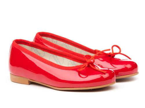 Bailarina charol roja