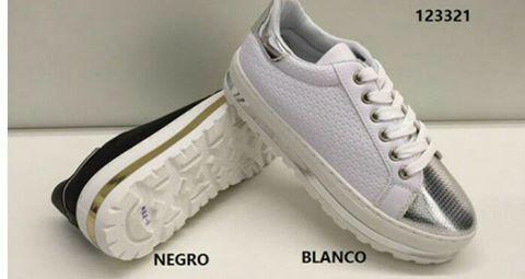 zapatos sport blancos